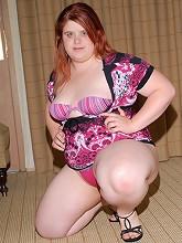 Cute fat girl needs lovin!_30