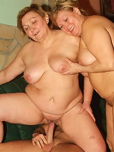 Cock greedy BBW Anna and Yolanda set aside their differences and share a good size cock live_30