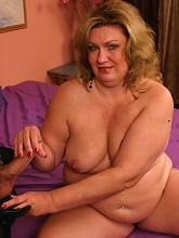 Blonde BBW Deedra hooked up with a horny guy and got nasty cock shoving in her plump muff live_30