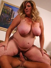 Experienced BBW Deedra bares it all and jumps on top of her partner to ride his man pole_30