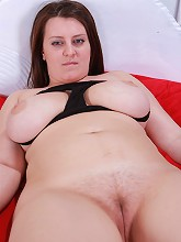 Chubby girlie with with big natural jugs poses all naked_30
