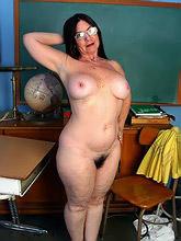 314 curvy voluptuous women_30