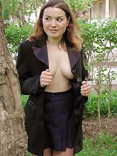 Young fat prankster flashes her tits in public_30