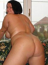 young tattooed fatty comes loose_30