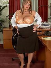 huge office babes dildoing break_30