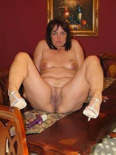 plump housewifes_30